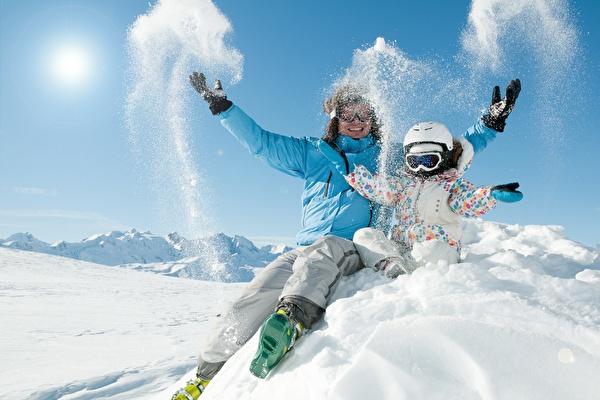 Ski hire, ski school and ski passes